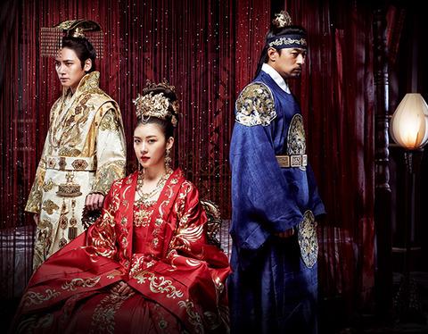 ハ・ジウォン主演の話題作!元を37年間も揺るがした実在の高麗女性「奇皇后」の運命を力強く描く