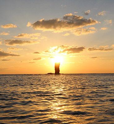 ローソク島遊覧船2
