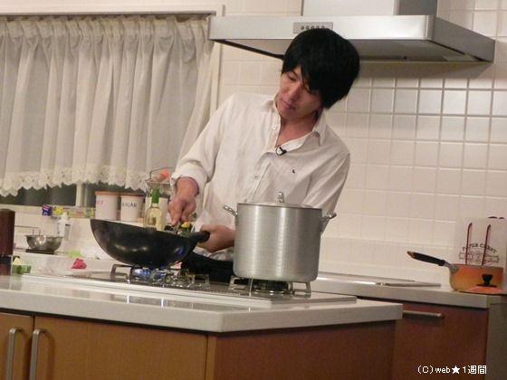 阿諏訪の料理はおもしろい!? 『バチバチエレキテる』ロケに潜入取材!