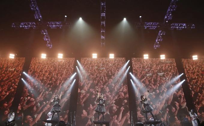 BABYMETAL「ニュースサイト記事:巨大キツネ祭りレポ」