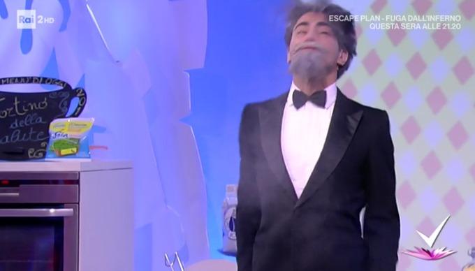 BABYMETAL「イタリアの料理番組でKARATE」