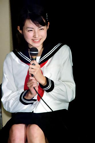 【画像あり】女子高生時代の平井理央wwwwwwwwwwww