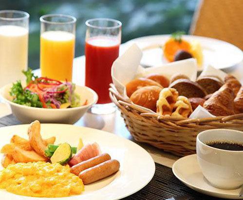 朝食ビュッフェで「こいつ…できる」って思わせる盛り付け教えてくれww → 結果wwwww
