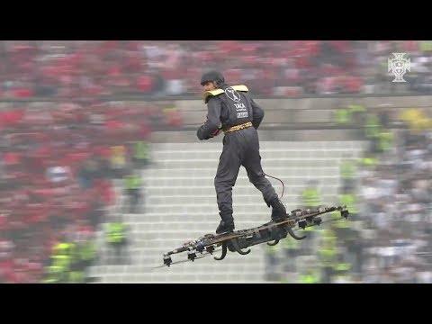 【動画】サッカーの試合にとんでもない物が導入されるwww