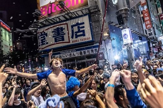 【悲報】グラビアアイドルさん、代表選の渋谷で痴漢にあってしまう