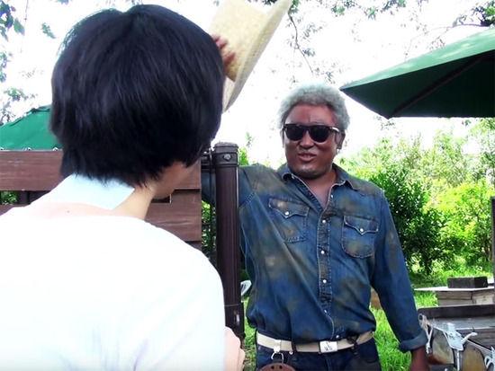 【画像】ロバート秋山が「アーモンド農家になりきった動画」がマジでありえそうでワロタwwwwwwwwwww
