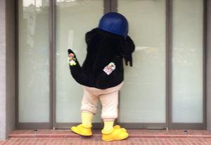 【画像】ヤクルト13連敗、神宮球場に応援にかけつけた美少女5人が泣き出してしまうww