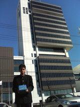 静岡新聞社前の牧田選手