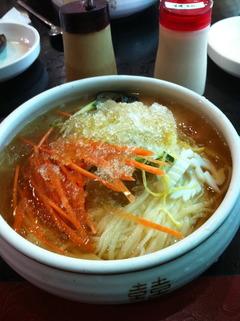 韓国の中華風冷麺