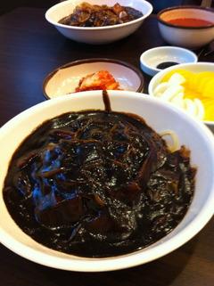 990ウォンのジャジャン麺(でも本当は千ウォンでした)