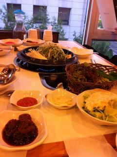 鐘路にて、焼き肉&冷麺