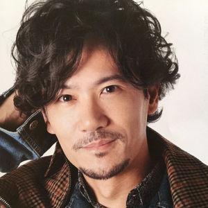 微笑む稲垣吾郎