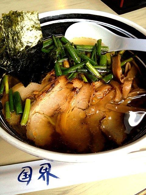 ネギチャーシュー麺辛口 at ドライブイン 国界 SnapDish 料理カメラ