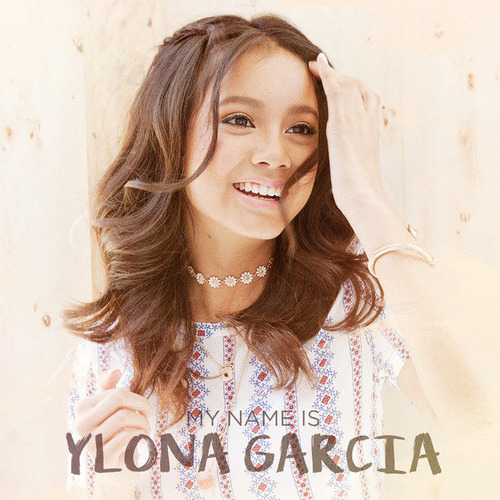 Ylona Garcia20
