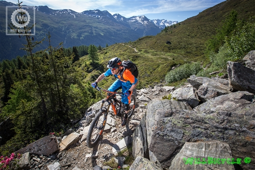 Genius LT_Action Image_2015_BIKE_SCOTT Sports_01