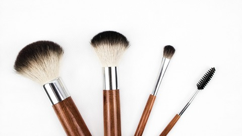 makeup-brush-1746322_1920