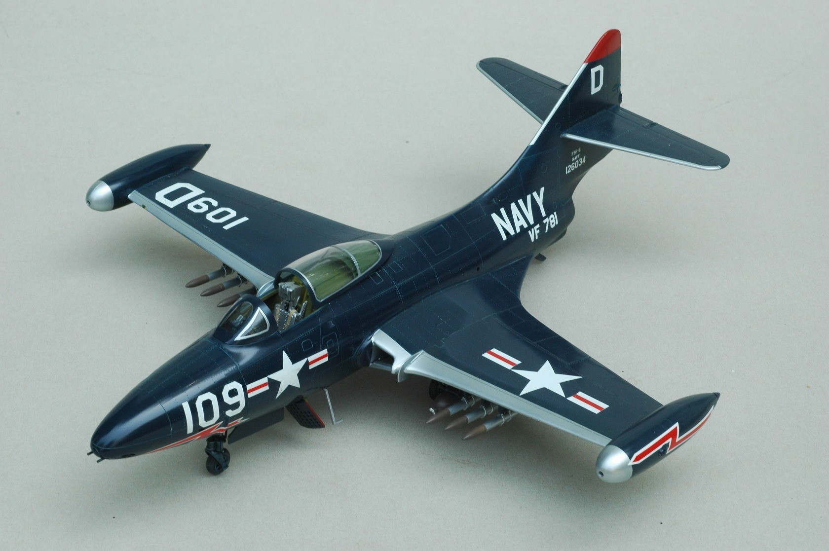 F9F (航空機)の画像 p1_37