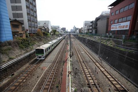 train-1718402_1920