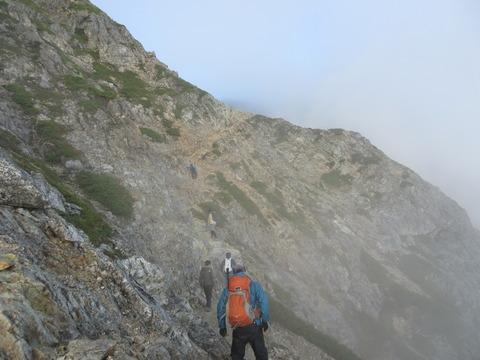 IMG_5003五龍岳山頂へ