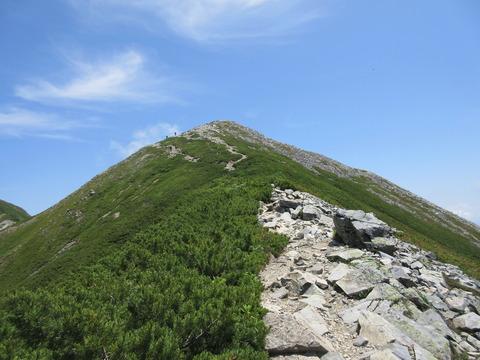 IMG_3457南峰山頂横をトラバース