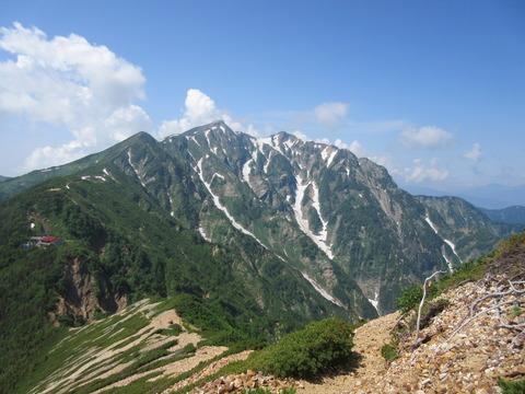 IMG_3477登山道から見る鹿島槍ヶ岳