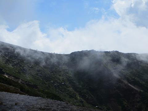 IMG_2850硫黄岳から横岳の稜線
