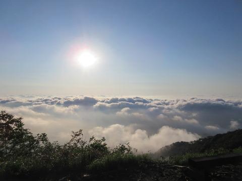 IMG_3482朝陽と雲海 冷池山荘から