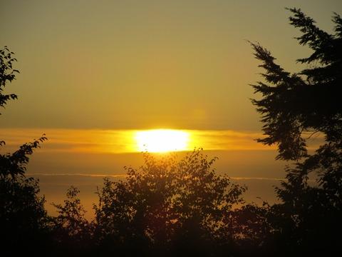 IMG_3206雲取山荘から見る日の出