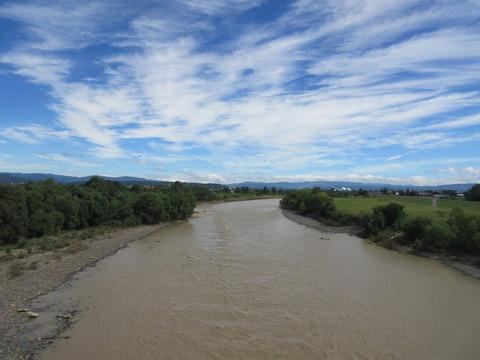 IMG_2297濁流の石狩川