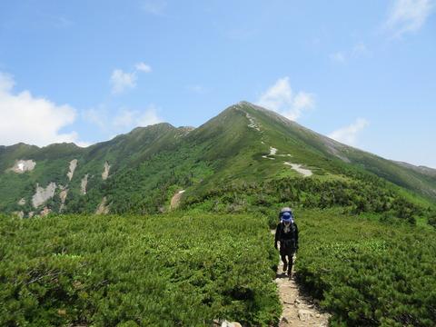 IMG_3453爺ヶ岳南峰へ
