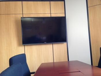 会議室テレビ