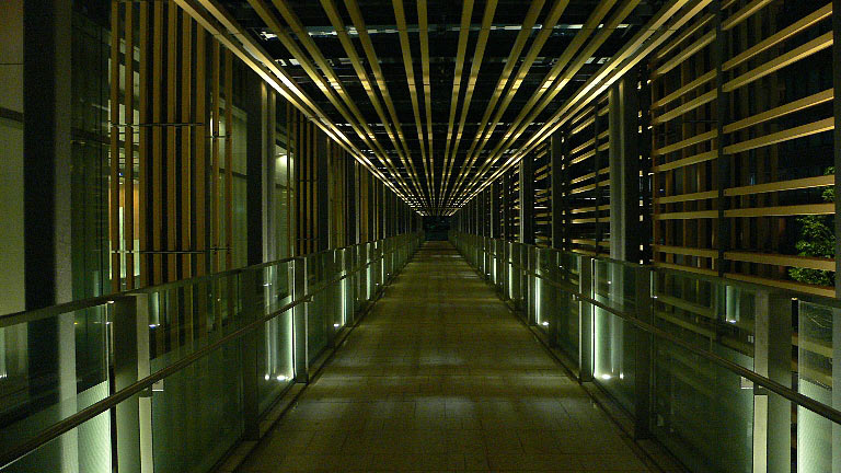ミッドタウンの空中回廊