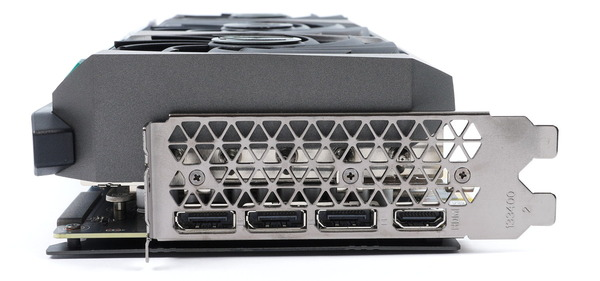 ZOTAC GAMING GeForce RTX 3090 AMP Extreme Holo review_05440_DxO