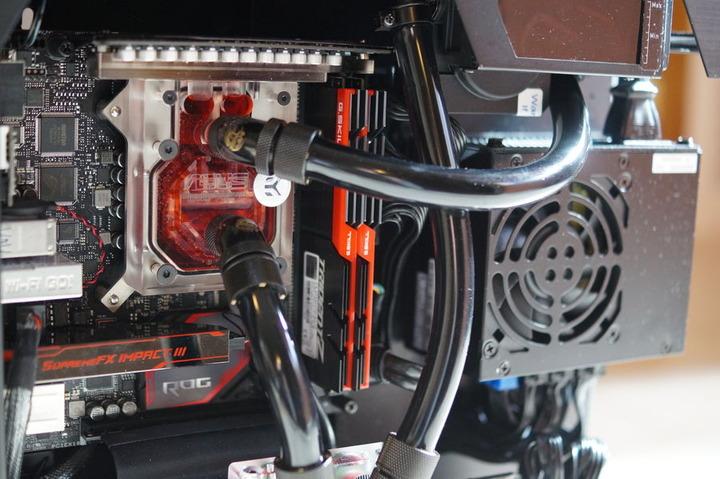 f7db8f14be Lian Li PC-O5 を用いたスリムでハイエンドな水冷PC : 自作とゲームと ...
