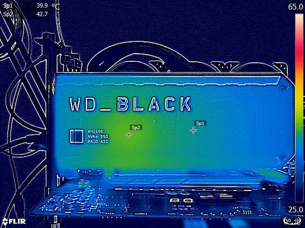 WD_BLACK AN1500 NVMe SSD Add-in-Card 4TB_FLIR_idle (1)