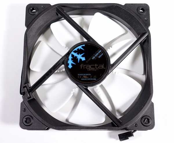 Fractal Design Celsius S36 review_07727