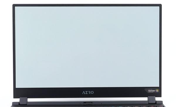 GIGABYTE AERO 15 OLED review_01367_DxO