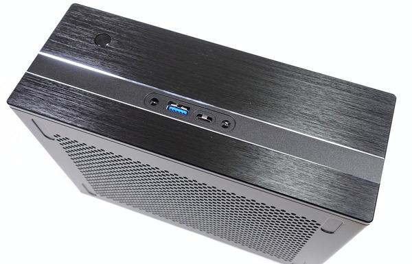 ASRock DeskMini GTX 1080 review_02662