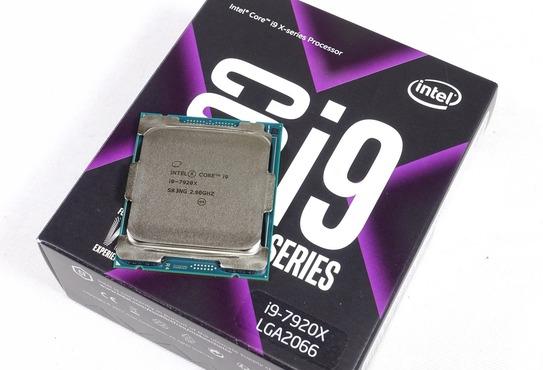 12コア24スレッド「Core i9 7920X」を殻割りで4.6GHzにOCレビュー