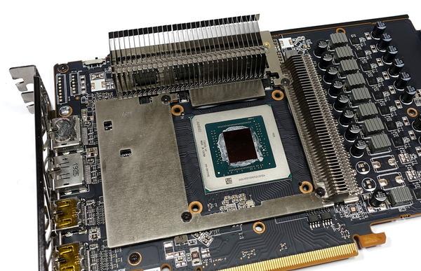 SAPPHIRE NITRO+ Radeon RX 5700 XT review_02631_DxO