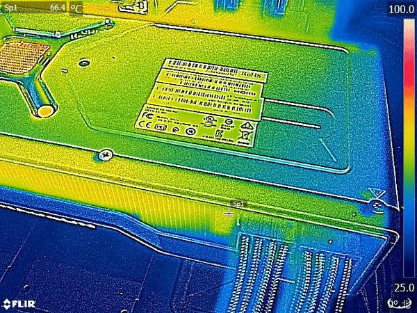 Radeon RX 6800 XT Reference_FLIR (3)