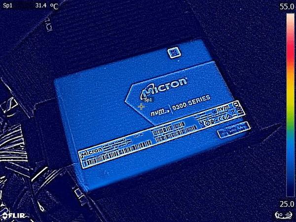Micron 9300 Pro 15.36TB_FLIR_fan