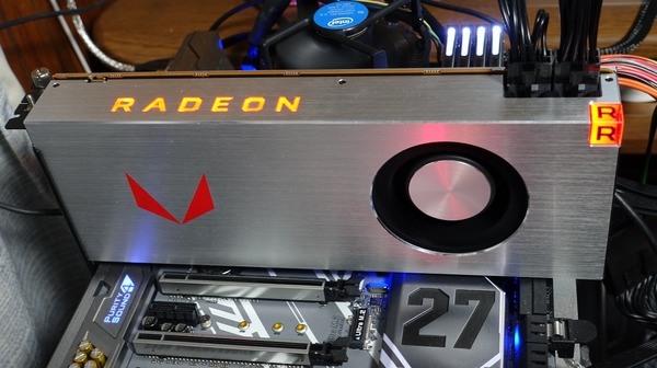Radeon RX Vega 64 Limited Edition review_02535