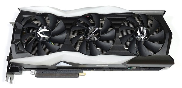 ZOTAC GAMING GeForce RTX 2080 AMP Extreme review_04184_DxO