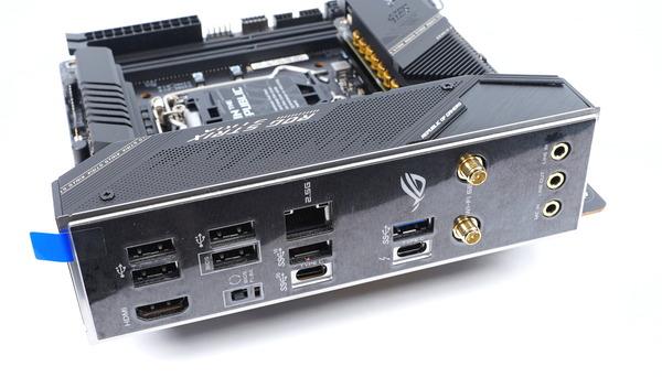 ASUS ROG STRIX Z590-I GAMING WIFI review_02882_DxO