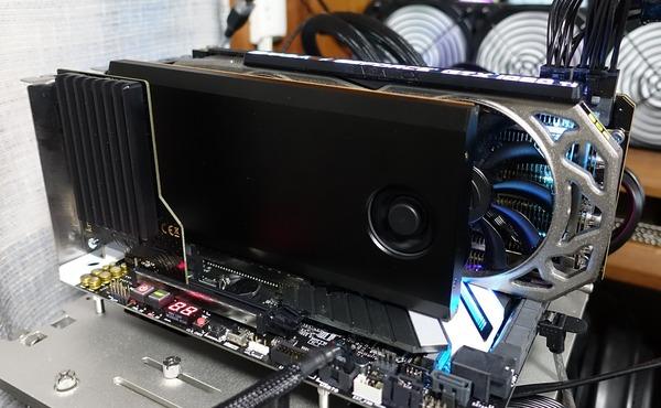 NVMe M 2 SSDの4枚刺し拡張ボード「HighPoint SSD7101A-1」をレビュー