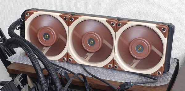 Noctua NF-A12x25 PWM_Radiator