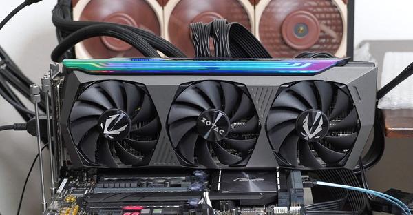 ZOTAC GAMING GeForce RTX 3070 Ti AMP Holo review_04654_DxO