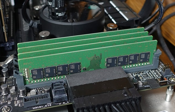 Samsung M378A4G43MB1-CTD