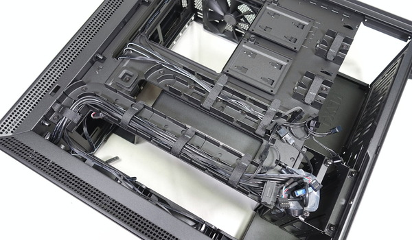 NZXT H700i review_01924